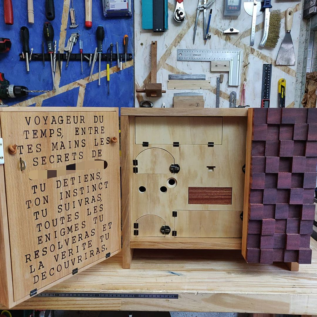 escape box wood 2